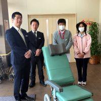 山口県内の福祉施設に車いす25台寄贈しました